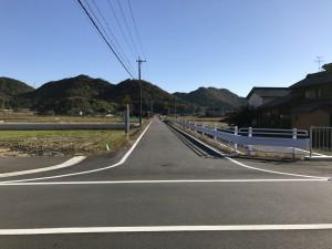 廃車岐阜への道中の用水路