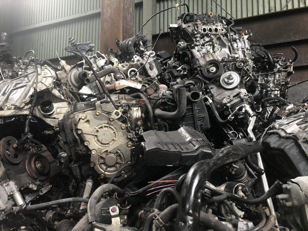 自動車リサイクルで素材になる、自動車のエンジン