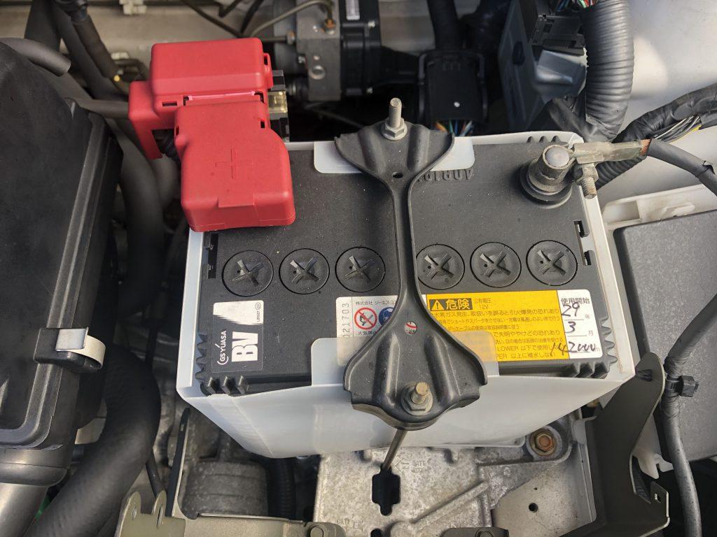 始動用の鉛蓄電池