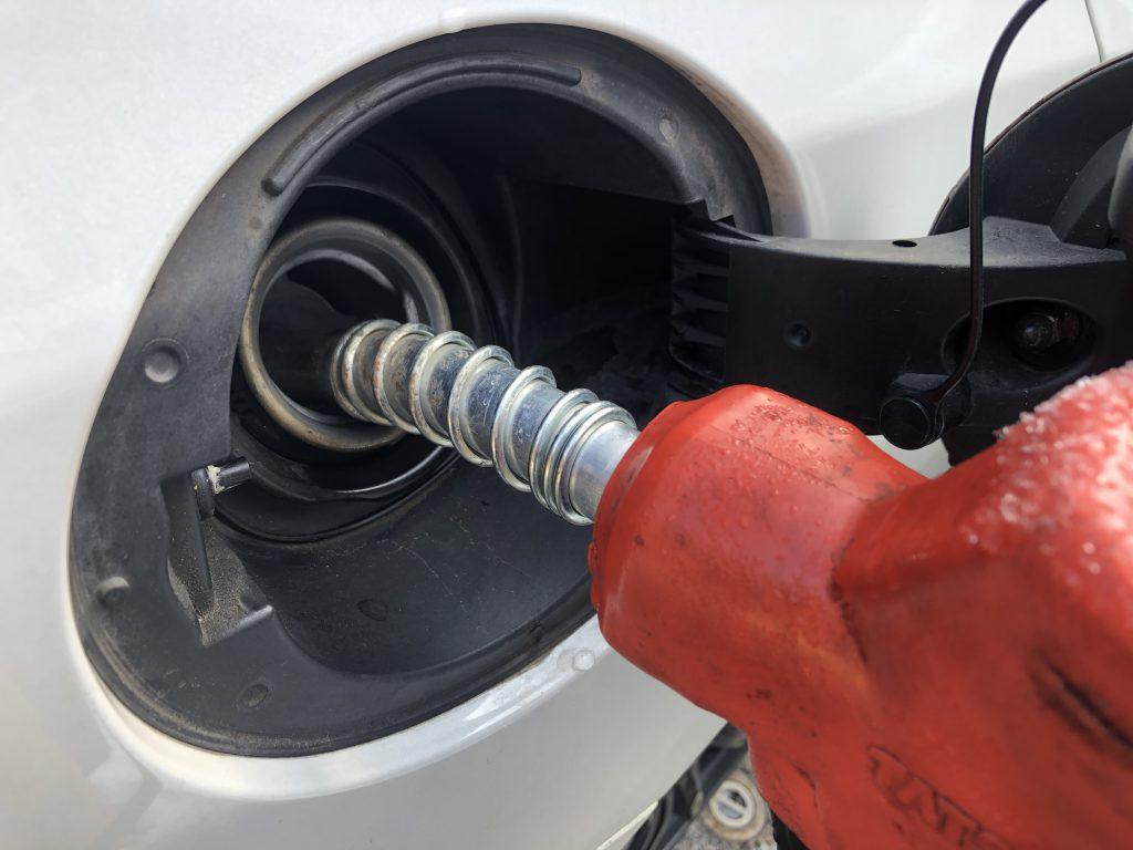 高速道路に入る前に、ガソリン給油しておきたい