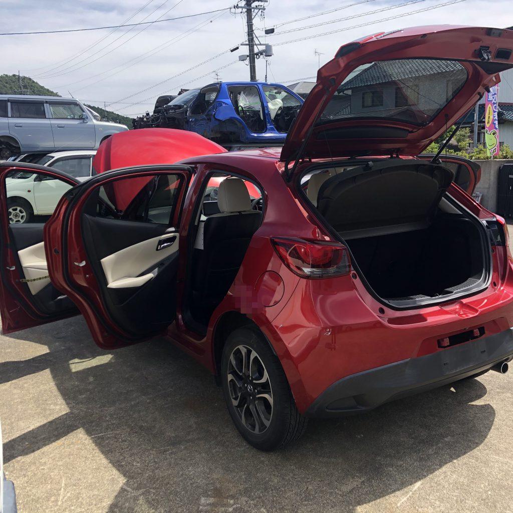 この車は中古車販売されずに、リサイクル部品に産まれ代わった