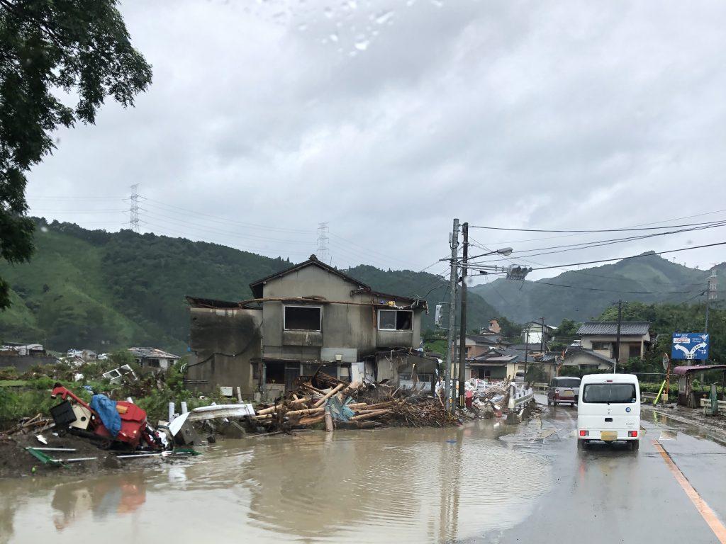 近年、線状降水帯の豪雨により甚大な被害が発生している(2020年九州豪雨の画像)